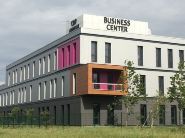 LONGBOW BUSINESS CENTER– Pusignan (69)
